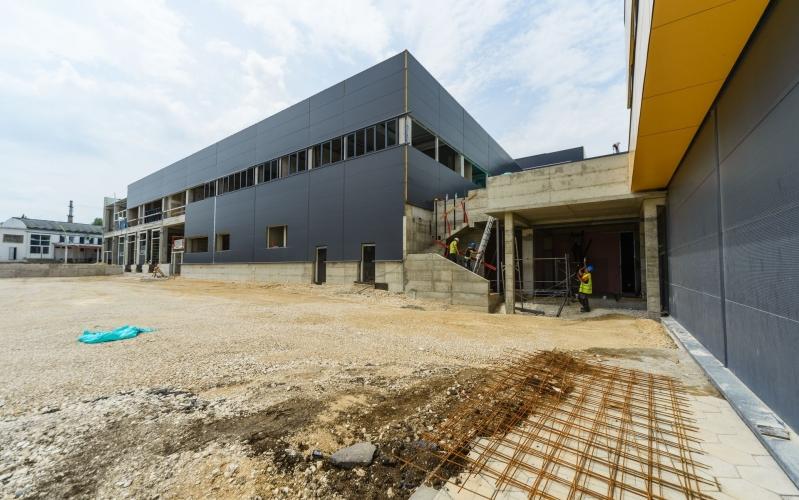 Производствена и складова сграда